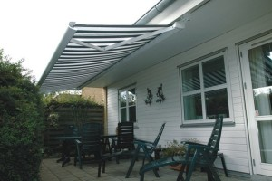 Markilux-5005-installed-on-underside-of-roof